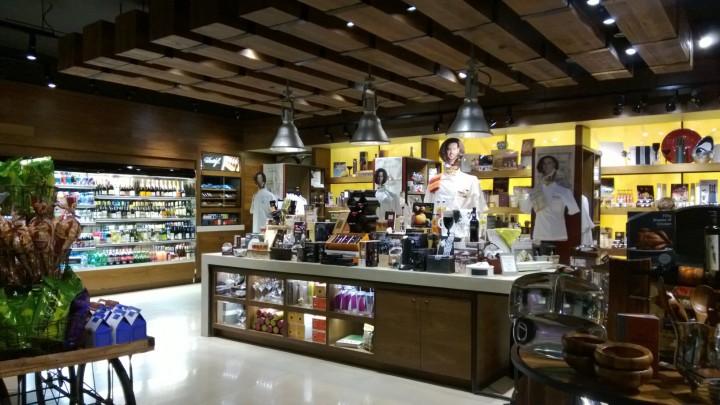 Eat Wine Store Cosmopolitan Las Vegas a 3-10-2013