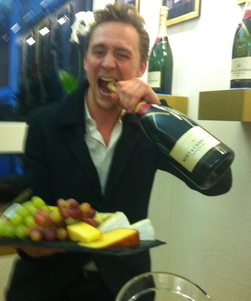 Tom Hiddleston wine