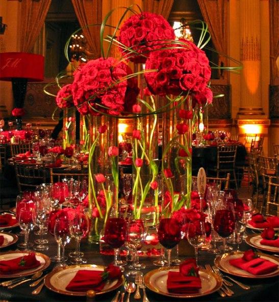 Црвени свадба маса декорации вино очила