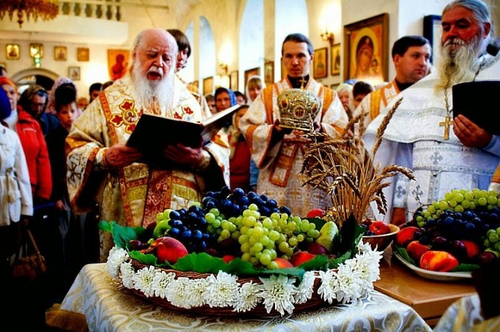 Orthodox Christian Bless grapes.jpg