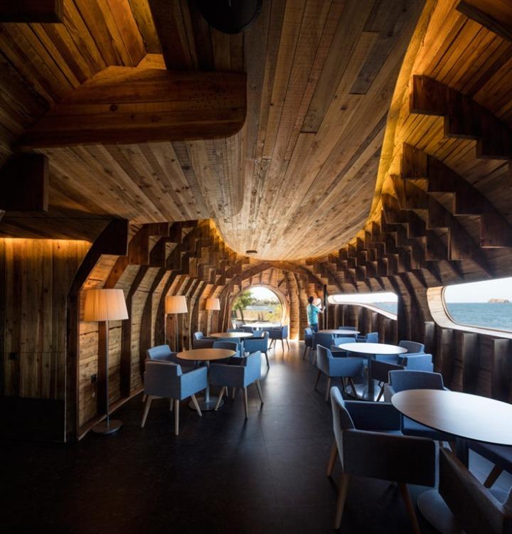 FCC Arquitectura - Bar - Pico Fernando Guerra.jpg